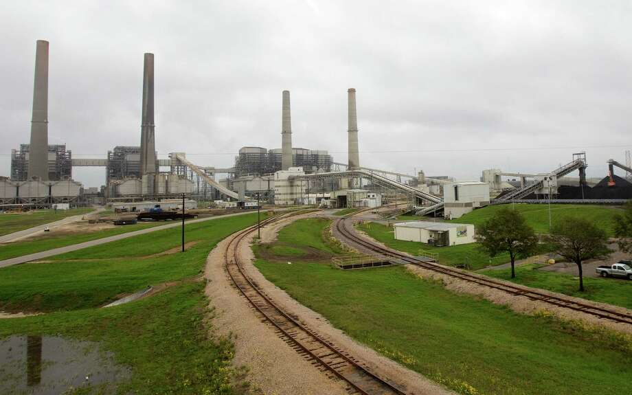 The Parish Coal Plant in Thompsons processes up to 37,000 tons of coal a day. The Supreme Court will hear a case about emissions that has pitted Texas against the Obama administration. Photo: Cody Duty, Staff / © 2011 Houston Chronicle