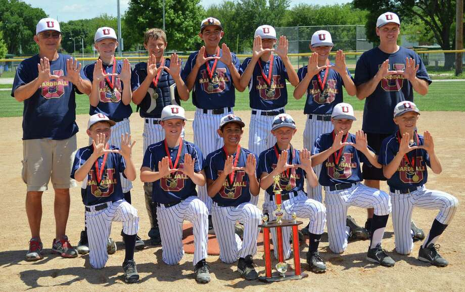 Hardball U Cardinal: Front row (from left) — Will Tillman, Brant Bowers, Jacob Martinez, Kyle Bowman, Luke Boyers, Hudson Head; back row — coach Jerry Tyson, Alex Magers, Hobbs Price, Cal Martin, Mason Wagner, Hayden Corbin, coach Mitchell Wagner. Photo: Courtesy Photo