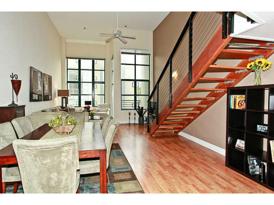 Loft lay out. Photos via Redfin/Rica Ruiz, KW Peninsula Estates/MLS