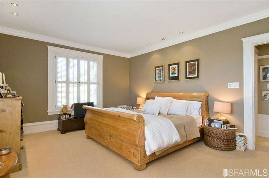 Bed 1. Photos via Diana Koll, Hill & Co/Redfin/MLS