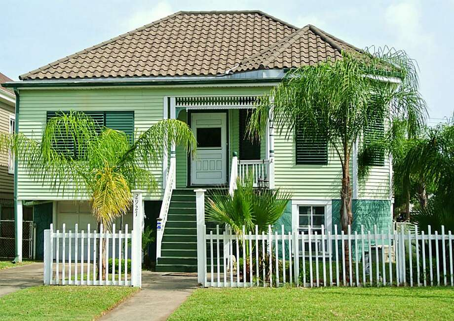 2927 Avenue P 1/2, GalvestonBedrooms: 3Bathrooms: 2 1/2Square footage: 1,632Price: $189,950