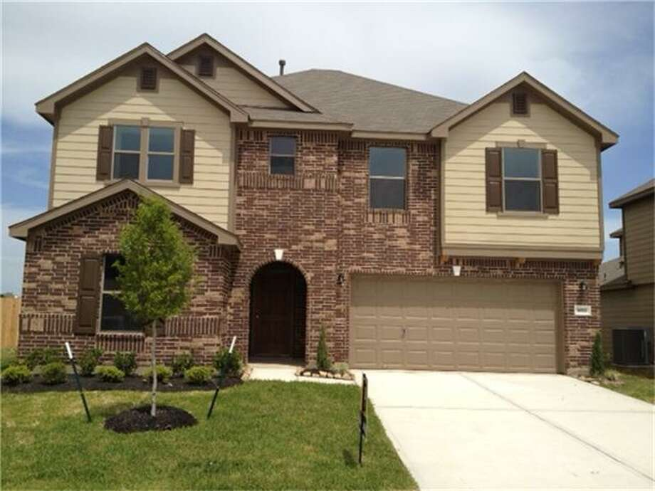 5014 Hinsdale Court, CypressBedrooms: 4Bathrooms: 2 1/2Square footage: 2,478Price: $189, 995