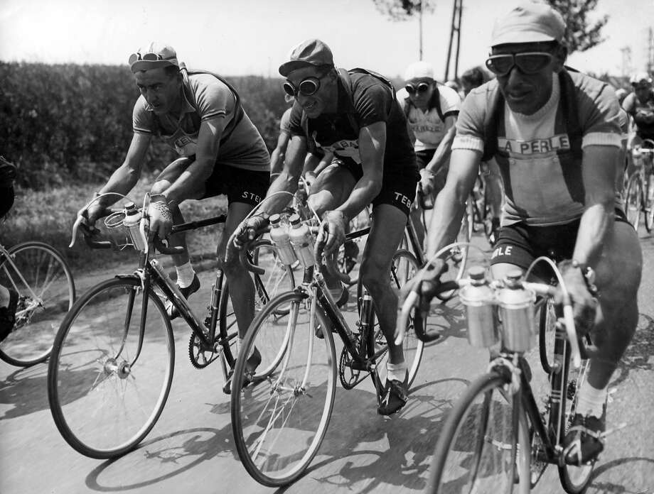 1949: Louison Bobet, Ferdinand Kubler and Paul Neri during the Tour de France. Photo: Keystone-France, Gamma-Keystone Via Getty Images / 2012 Gamma-Keystone