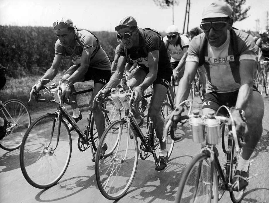 1949: Louison Bobet, Ferdinand Kubler and Paul Neri during the Tour de France. Photo: Keystone-France, Gamma-Keystone Via Getty Images / 2012 Gamma-Keystone