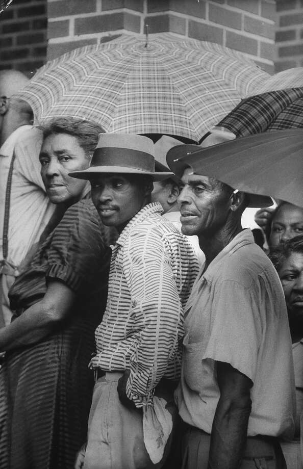 African Americans waiting to get into Haywood County Courthouse to register to vote. Photo: Walter Sanders, Time & Life Pictures/Getty Image / Time Life Pictures