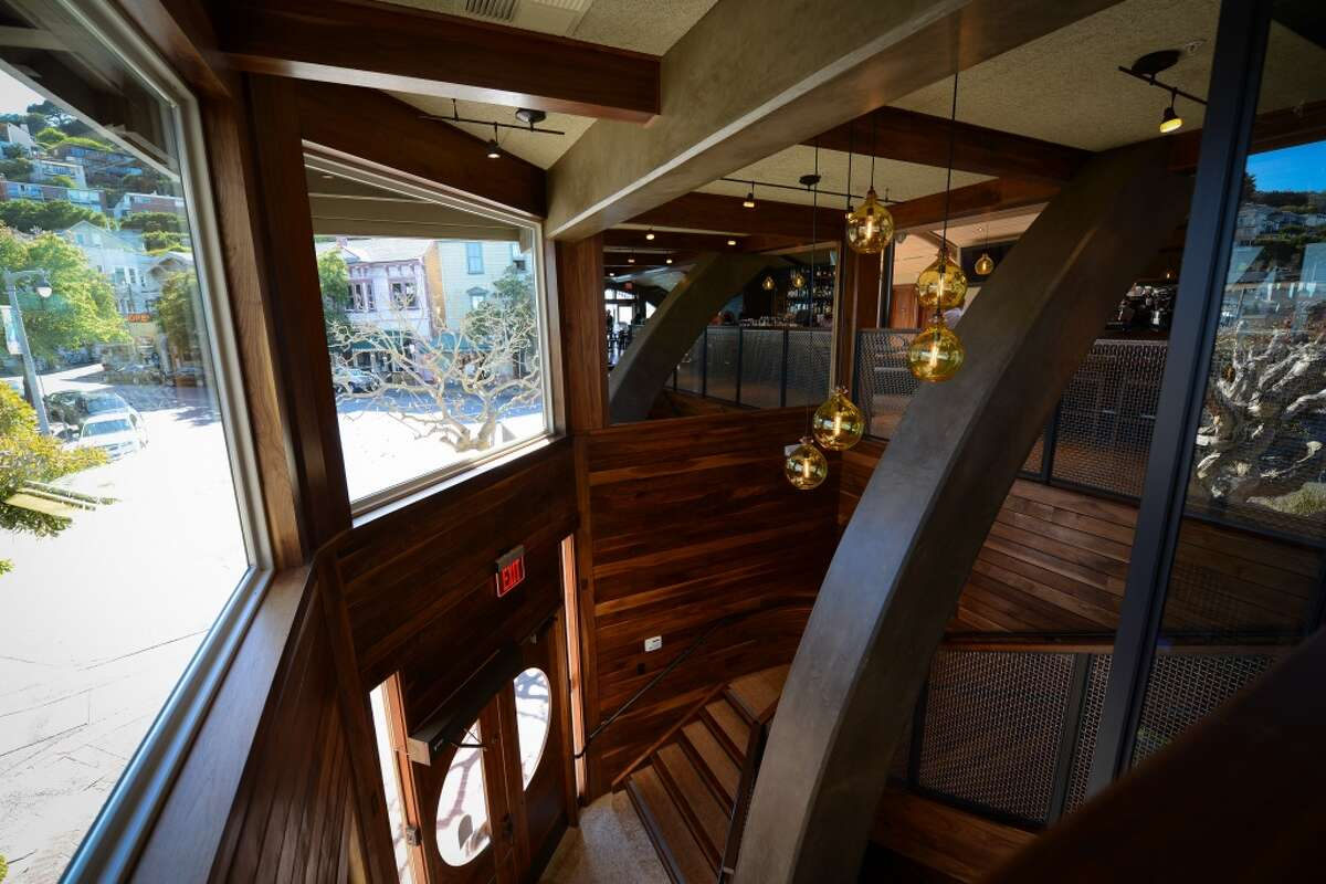 Barrel House Tavern: The two-story entryway, with the stairs leading to the bar.