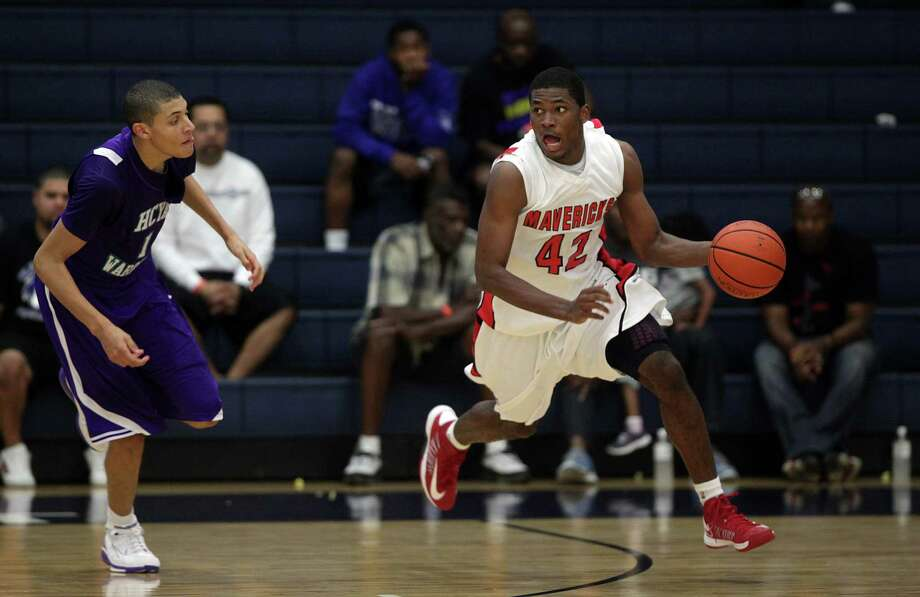 St. John's senior Justise Winslow's had a standout performance at the HISD tournament. Photo: Mayra Beltran, Staff / © 2012 Houston Chronicle