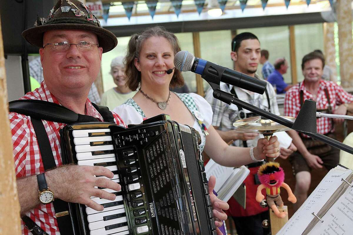Ross and Valina Polka of Das ist Lustig is among the live bands featured at King's Biergarten & Restaurant Thursday through Saturday evenings. Ross and Valina Polka of Das ist Lustig is among the live bands featured at King's Biergarten & Restaurant Thursday through Saturday evenings.