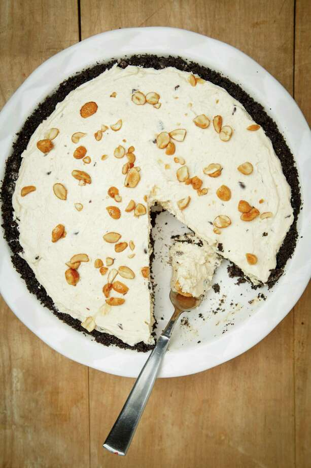 Peanut Butter Chocolate Icebox Pie, photographed in the Houston Chronicle Studio, Thursday, June 20, 2013, in Houston. ( Michael Paulsen / Houston Chronicle ) Photo: Michael Paulsen, Staff / © 2013 Houston Chronicle