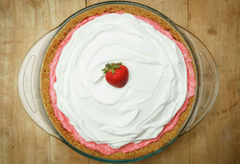 Strawberry-Pretzel Icebox Pie, photographed in the Houston Chronicle Studio, Thursday, June 20, 2013, in Houston. ( Michael Paulsen / Houston Chronicle ) Photo: Michael Paulsen, Staff / © 2013 Houston Chronicle