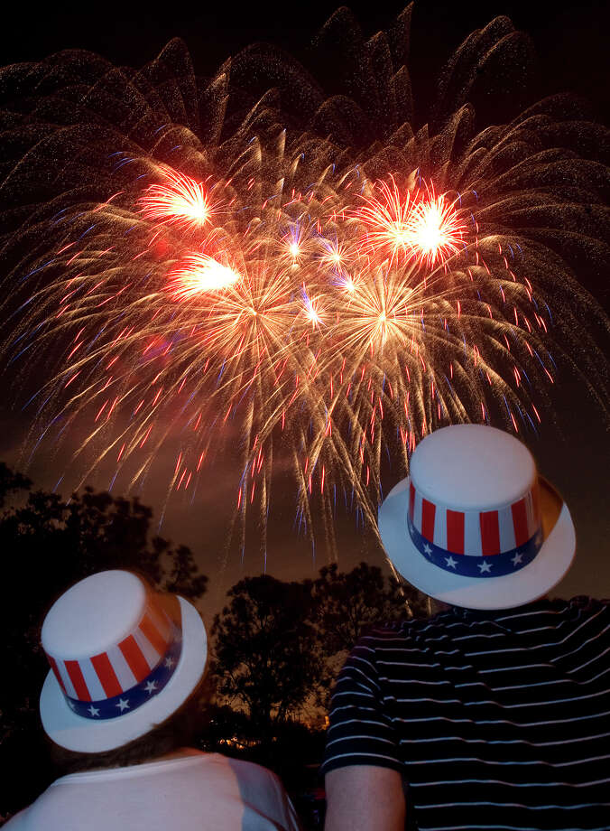 Last year's Freedom Over Texas event wrapped up with an impressive fireworks display. Photo: Cody Duty, Staff / © 2011 Houston Chronicle
