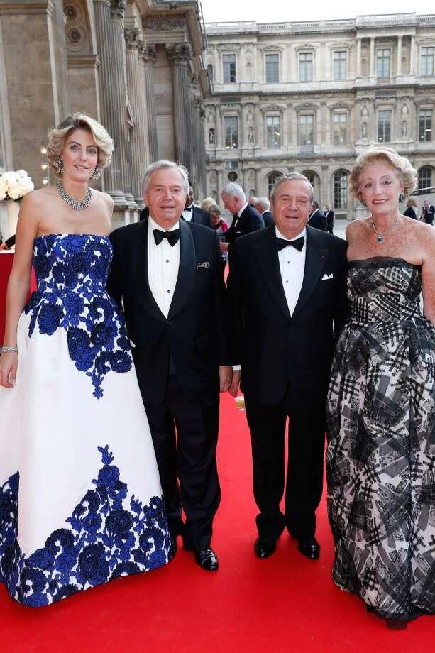 Ariane Dandois (R) with her daughter Ondine de Rothschild (L), Hubert and Xavier Guerrand Hermes (C)