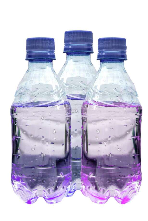A drop of flavoring in an 8-ounce bottle can transform your water. We'll tell you which brand rated tops with us. (Fotolia) Photo: Kim Reinick / Kimberly Reinick - Fotolia