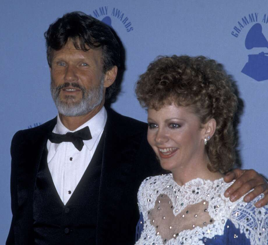 In 1986, Reba McEntire tried out a curly mullet.