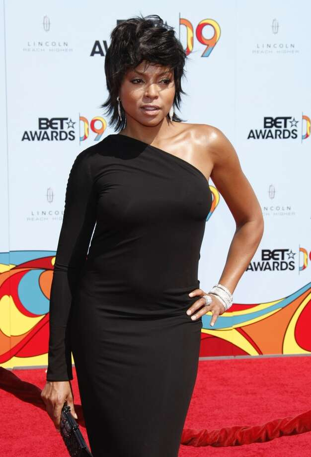 Taraji P. Henson managed a stylish take on the look in 2009.