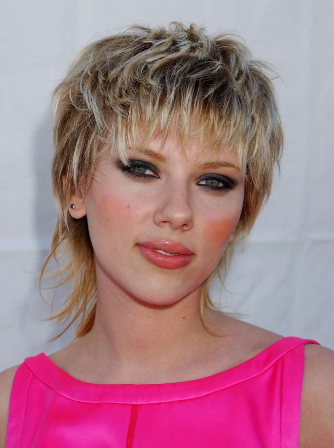 Even Hollywood bombshells have done mullets. Case in point: Scarlett Johansson.