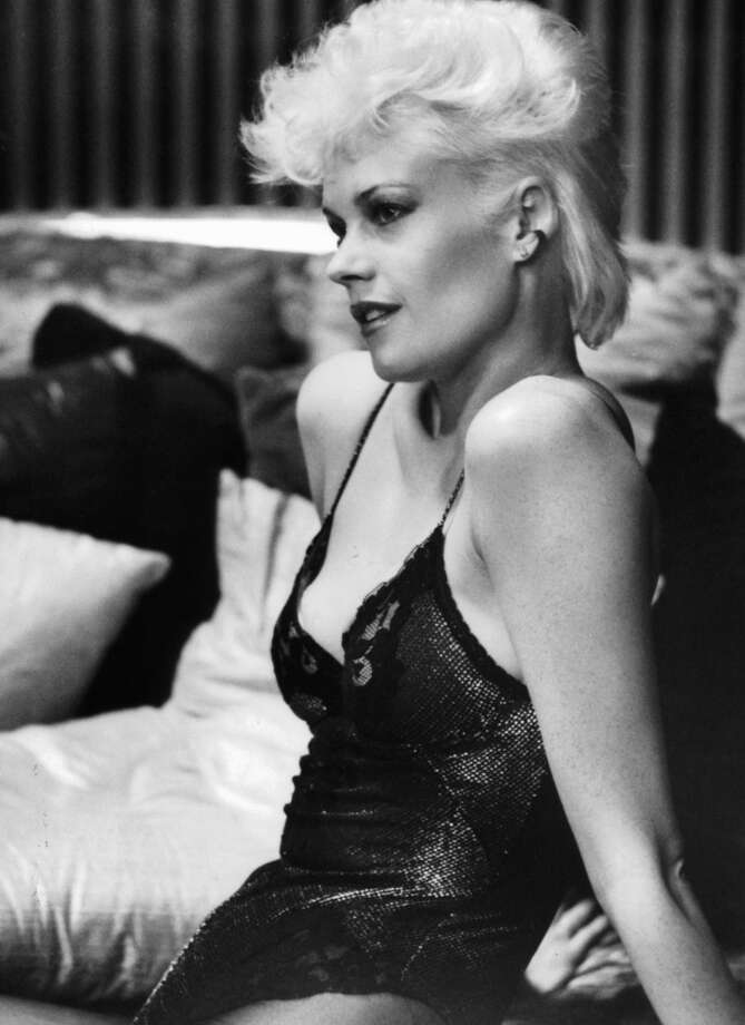 Melanie Griffith sported the look i the film 'Body Double', 1984.