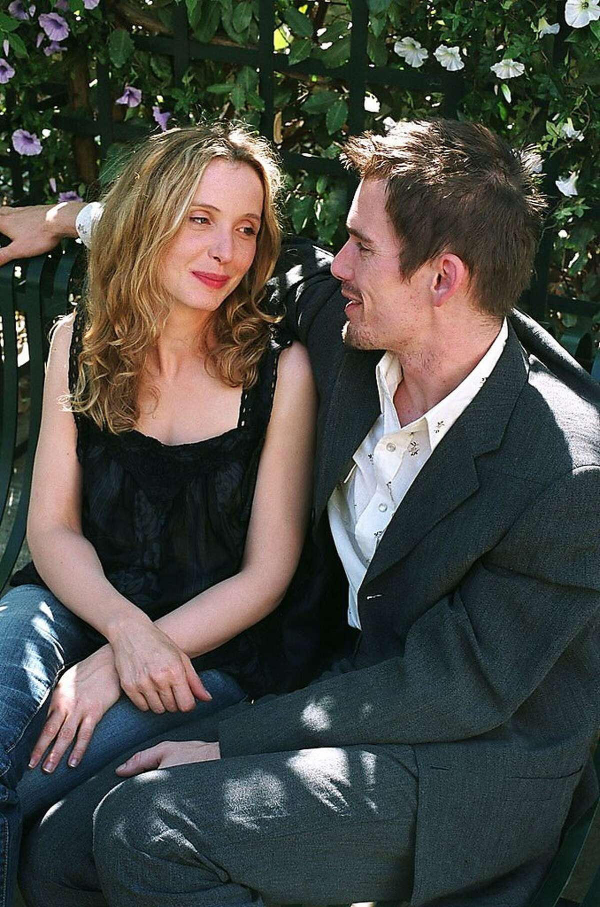 American author Jesse (Ethan Hawke) meets up with Celine (Julie Delpy) in Paris, reuniting nine years after they first met while traveling through Europe in
