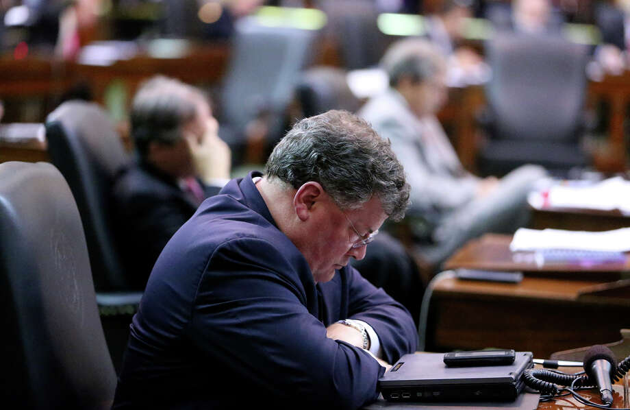 Senators fall asleep as Fort Worth Senator Wendy Davis filibusters in an effort to cause abortion legislation to die without a vote on the floor of the Senate Tuesday, June 25, 2013. Photo: Tom Reel, San Antonio Express-News
