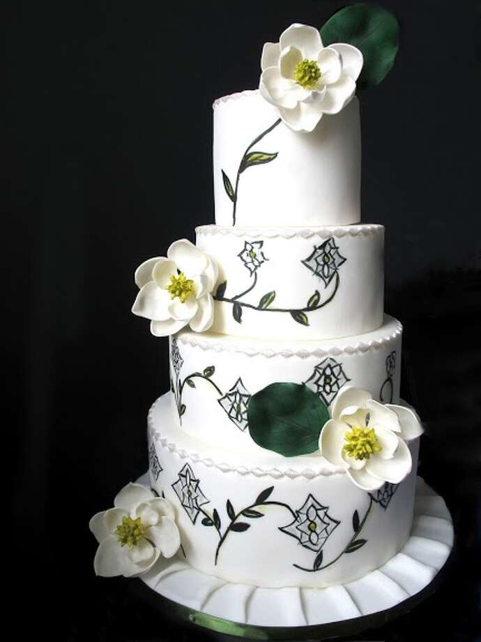 White fondant cake handmade sugar magnolias medieval inspired handpainting by Beyond Buttercream. Photo: Picasa