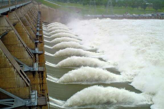 The report says hydropower and wind together will account for 80 percent of the growth in renewable power generation.