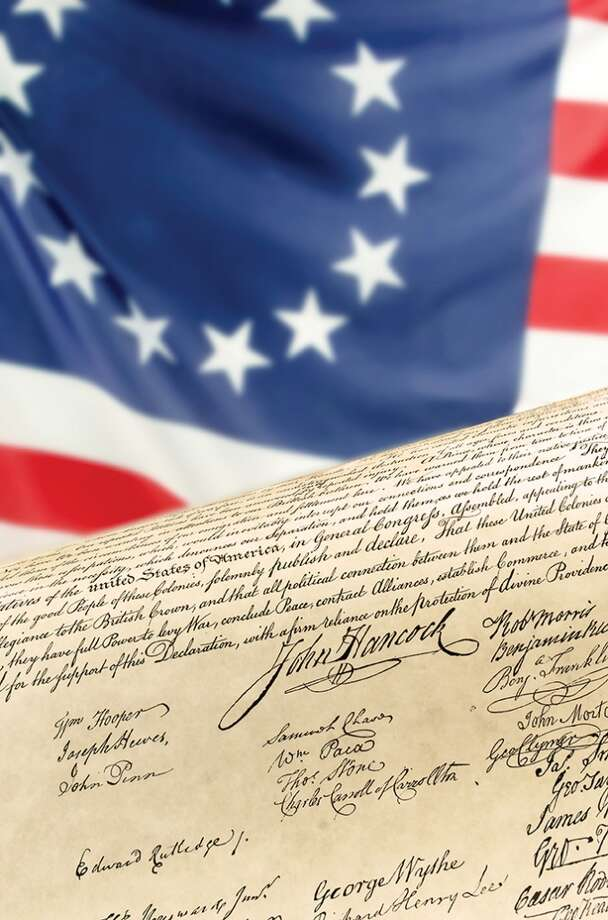 July 4 The 56 signers of the Declaration of Independence didn't sign at the same time, nor did they sign on July 4, 1776. The official event was on Aug. 2, 1776, when 50 men signed it. And the first public Fourth of July event at the White House occurred in 1804.  source: tinyurl.com/hl13july4