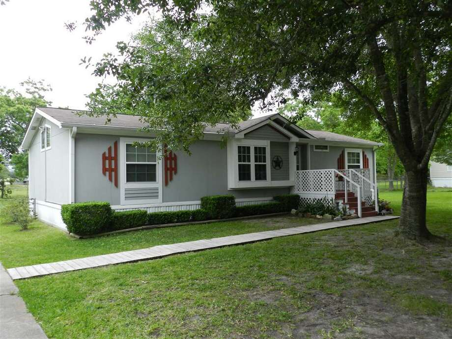 18807 Edith DriveBeds: 3Baths: 2Square footage: 1,248Price: $99,900