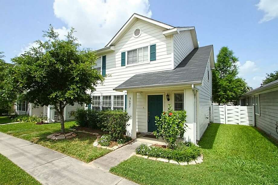 9607 FarrellBeds: 3Baths: 2Square footage: 1,712Price: $120,000