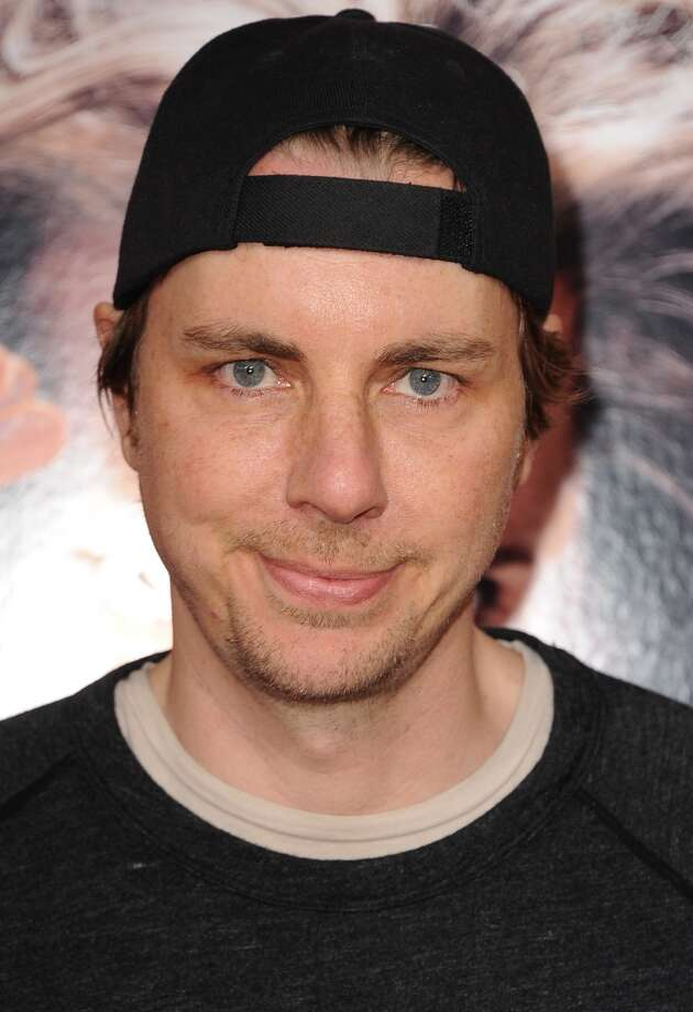 Her fiance, Dax Shepard, is the male winner.