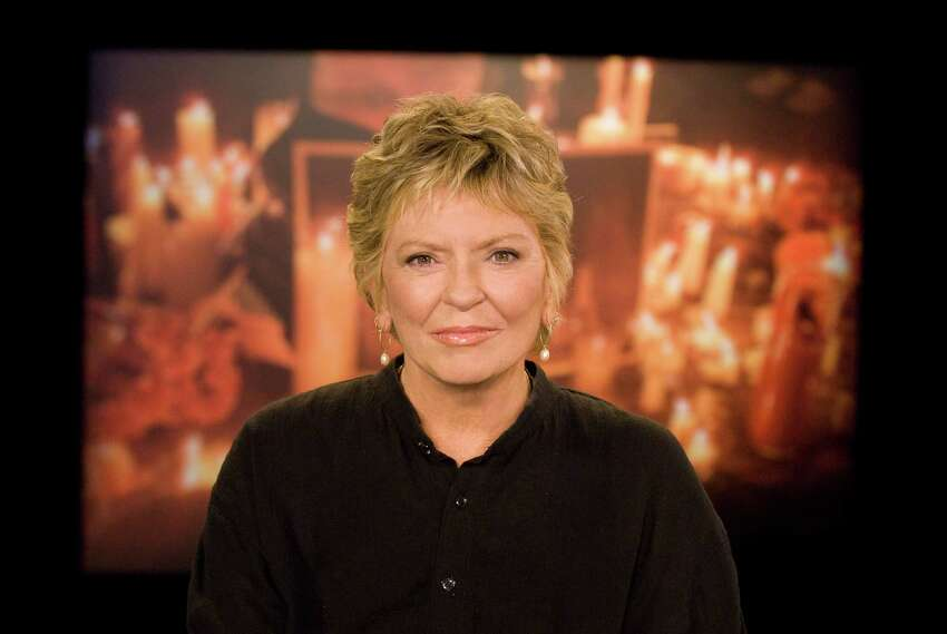 Linda Ellerbee From 1972 to 1973, Ellerbee was a reporter for Houston's KHOU-TV. After that, she went on to anchor and report for a variety of national programs on NBC and ABC. She is perhaps best known for hosting