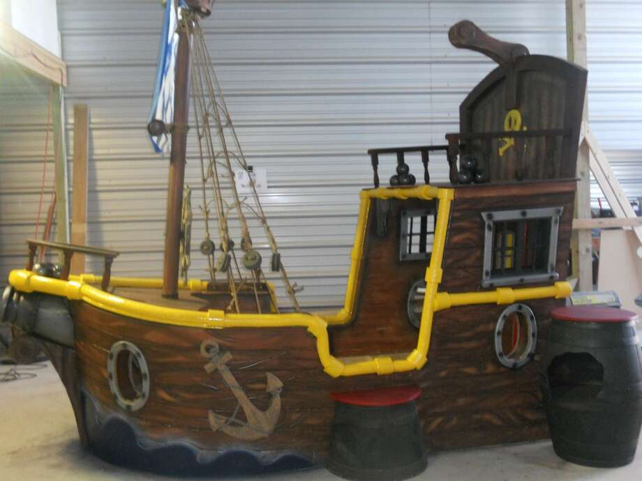 Jake and the Neverland Pirates bed. Photo courtesy Tiny Town Studios