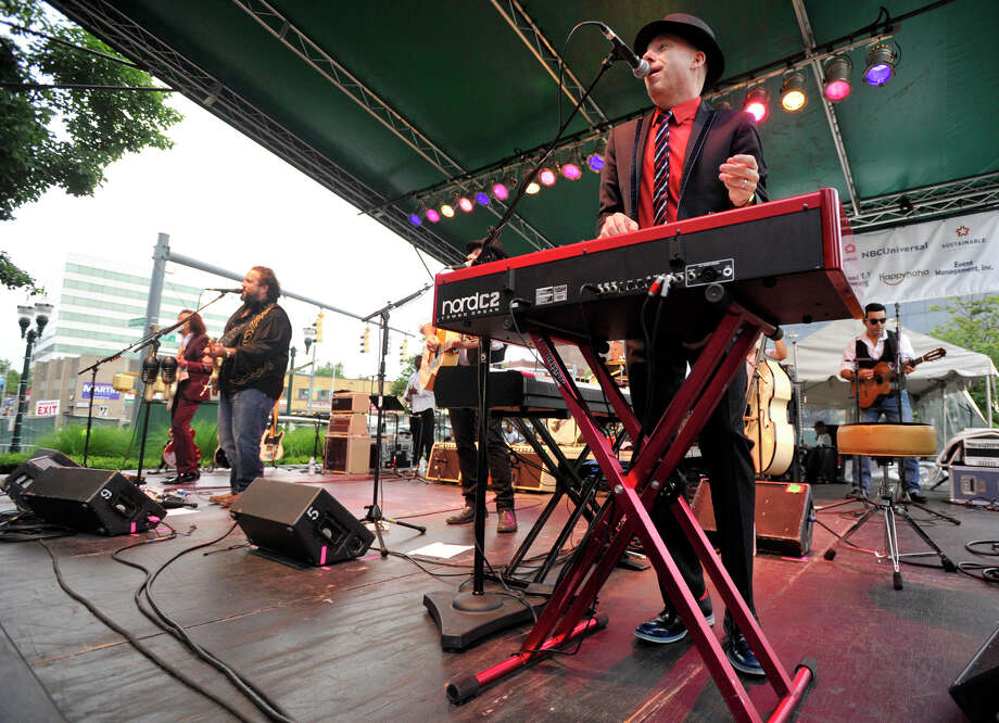 Jerry Dale McFadden plays keyboard with The Mavericks during the Alive@Five concert series at Columbus Park on Thursday, June 27, 2013. Hearst Connecticut News Group is a sponsor. Photo: Jason Rearick / Stamford Advocate