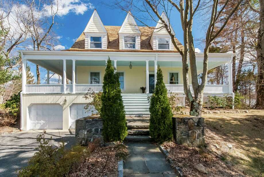 The Victorian Era Home At 9 Clubhouse Circle In Darien On Market For