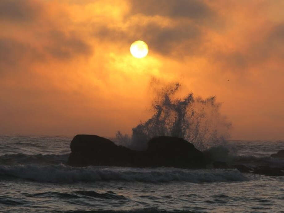 Waves crash against a rock on Rialto Beach in Olympic National Park. Photo: JOSHUA TRUJILLO, SEATTLEPI.COM