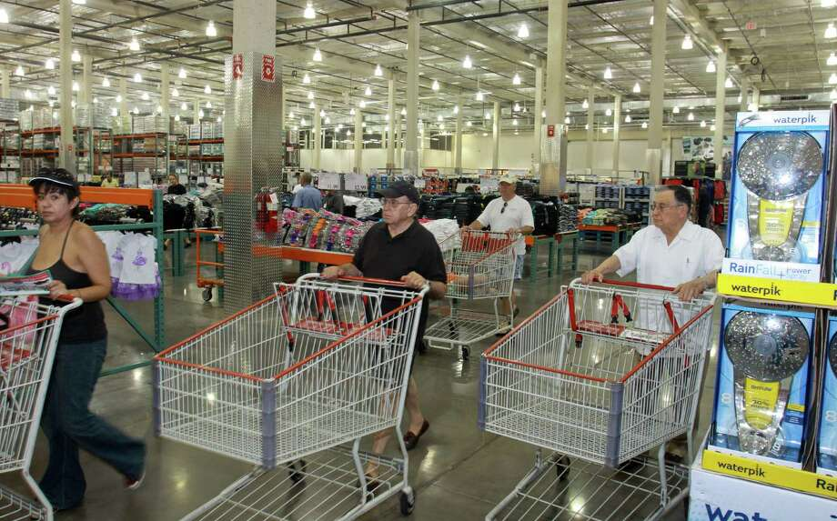 Costco doesn't have many frills but the chain draws a customer base with higher-than-average incomes. It opens its fourth Houston-area store next month. Photo: Gary Fountain, Freelance / Copyright 2013 Gary Fountain