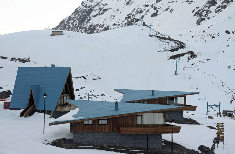 In addition to the hotel, Portillo chalets are available for rental.
