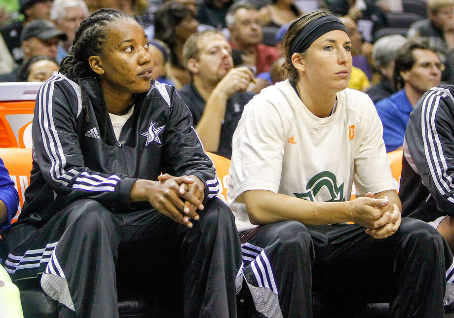Chante Black (left) and Julie Wojta were signed by the Silver Stars under the league's emergency hardship exception to fill the spots of injured players Jayne Appel (concussion) and Becky Hammon (broken finger). Photo: Marvin Pfeiffer / San Antonio Express-News