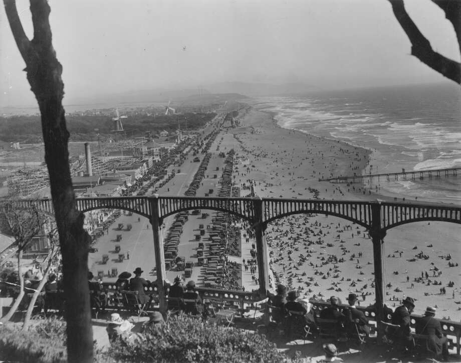 Beach Esplanade with Playland amusement park on the left. The Esplanade was completed in the beginning of the 1920s.