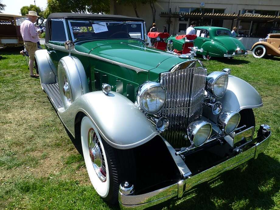 1933 Packard convertible. Owners: Aaron and Valerie Weiss.