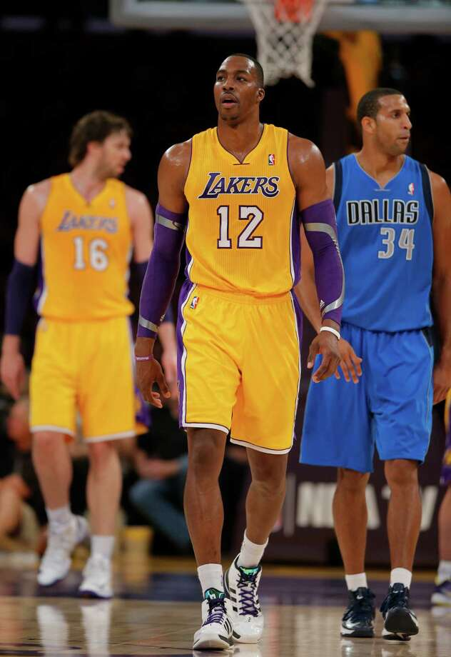 Los Angeles Lakers' Dwight Howard in the first half of an NBA basketball game against the Dallas Mavericks in Los Angeles, Tuesday, Oct. 30, 2012. (AP Photo/Jae C. Hong) Photo: Jae C. Hong, STF / AP2012