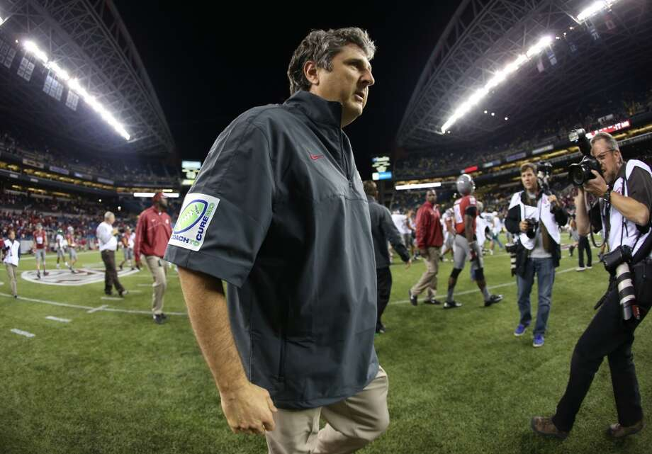 1. What will year two in the Mike Leach era bring? College coaches can never be fully evaluated until they have a chance to instill their recruits and their system. That takes time.   Last season, Mike Leach was brought in expected to immediately turn around a program that hadn't surpassed four wins in its previous four seasons. While last season's dreadful 3-9 season -- nearly 2-10 if it weren't for a miraculous comeback win against Washington -- was undoubtedly a failure, Leach should not be evaluated based off last season alone. The former Texas Tech coach still boasts 10-bowl appearances on his impressive resume and has brought in top-tier talent to Pullman already. While the team is still transitioning from its former regime under Paul Wulff, look for Leach's system to take shape in 2013. If it doesn't, at least some criticism will be warranted.
