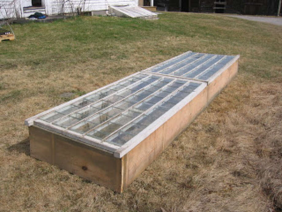 Temperature control for a raised bed! Photo via Phastastic Phinds blog.