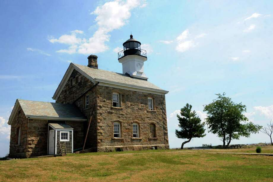 The Sheffield Island lighthouse. Photo: Lindsay Niegelberg, ST / Connecticut Post