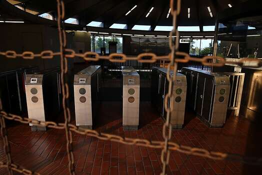 Pay gates sit empty at the North Berkeley BART station on Monday. Photo: Justin Sullivan, Getty Images
