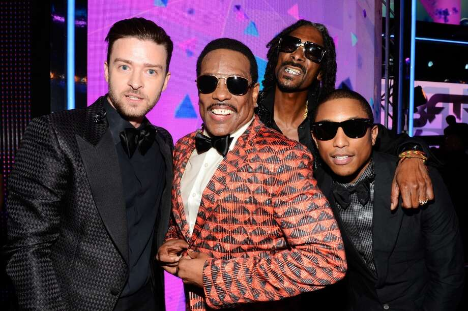 LOS ANGELES, CA - JUNE 30:  (L-R) Recording Artist Justin Timberlake, Charlie Wilson, Snoop Dogg  and Pharrell Williams pose backstage during the 2013 BET Awards at Nokia Theatre L.A. Live on June 30, 2013 in Los Angeles, California.  (Photo by Kevin Mazur/BET/Getty Images for BET)