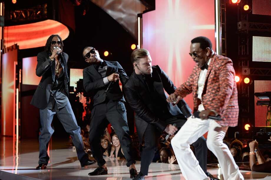 LOS ANGELES, CA - JUNE 30:  (L-R) Rapper Snoop Dogg, singers Pharrell Williams, Justin Timberlake and Charlie Wilson perform onstage during the 2013 BET Awards at Nokia Theatre L.A. Live on June 30, 2013 in Los Angeles, California.  (Photo by Kevin Winter/Getty Images for BET)