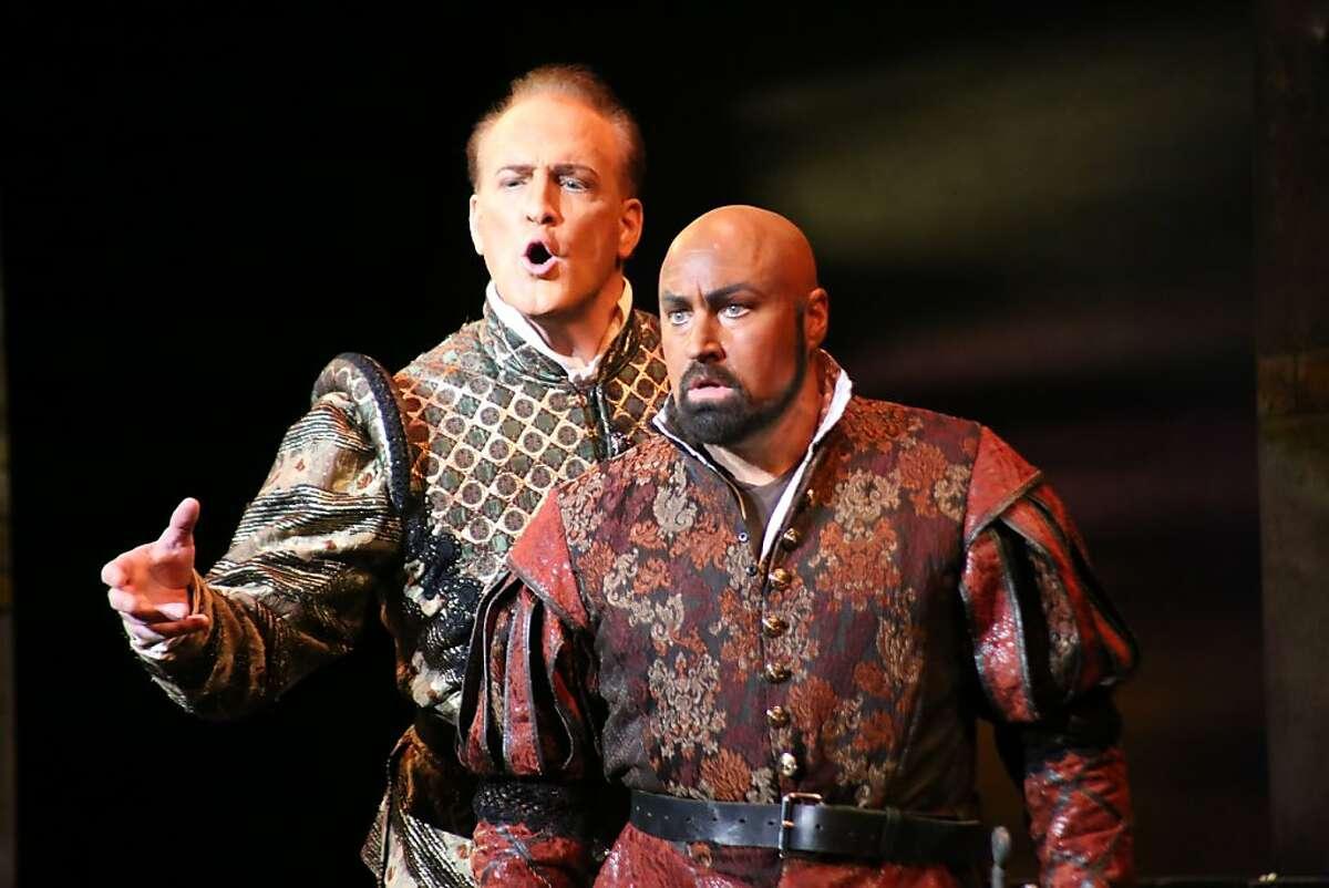 Philip Skinner (l.) as Iago and David Gustafson as Otello in Verdi's