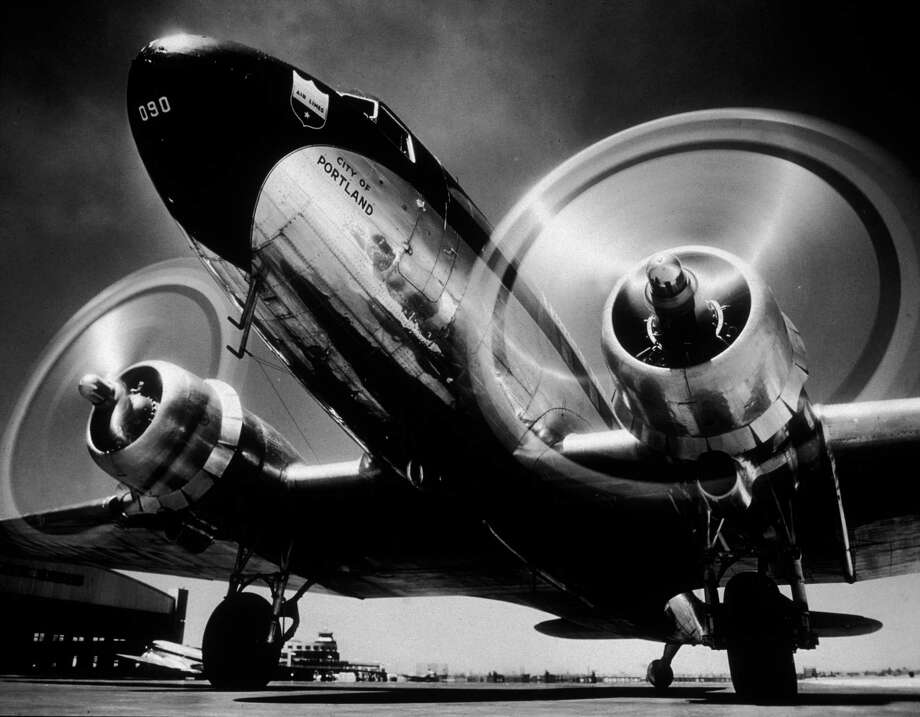 United Airlines, which separated from Boeing in 1934, became the second DC-3 customer, in 1936.  Photo: Hulton Archive, Getty Images / Archive Photos