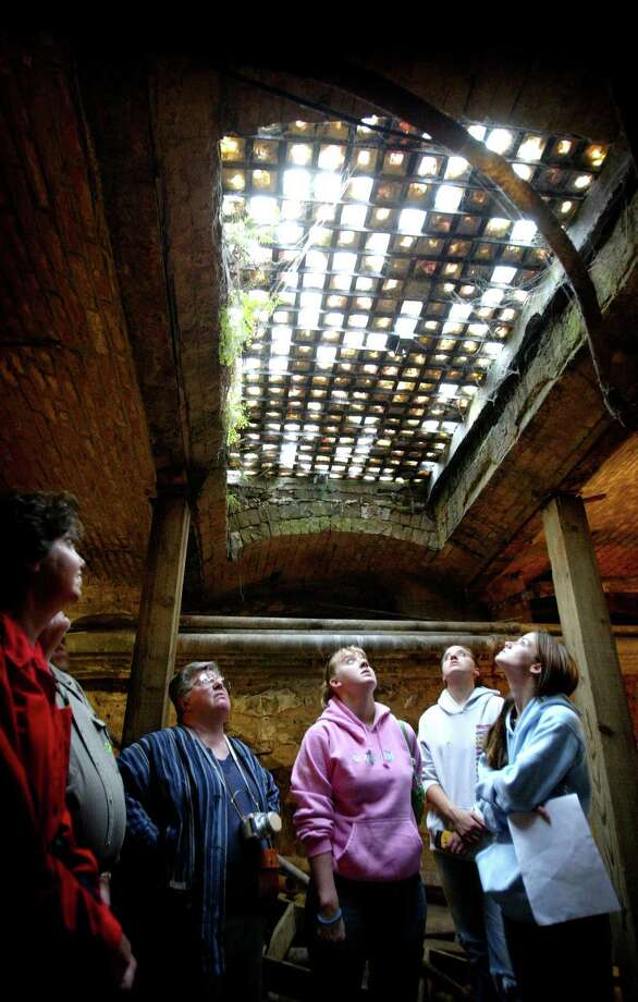 Avoid the heat all together… and get underground! Seattle Underground tours in Pioneer Square offer a cool escape from summer heat. Photo: JOSHUA TRUJILLO, SEATTLE POST-INTELLIGENCER  / SEATTLEPI.COM
