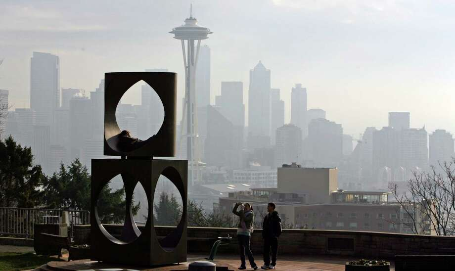 Go for the tried and true overlooks of Seattle to enjoy the warm weather and sweeping views of the city, such as Kerry Park in Queen Anne. Photo: Grant M. Haller / SEATTLEPI.COM